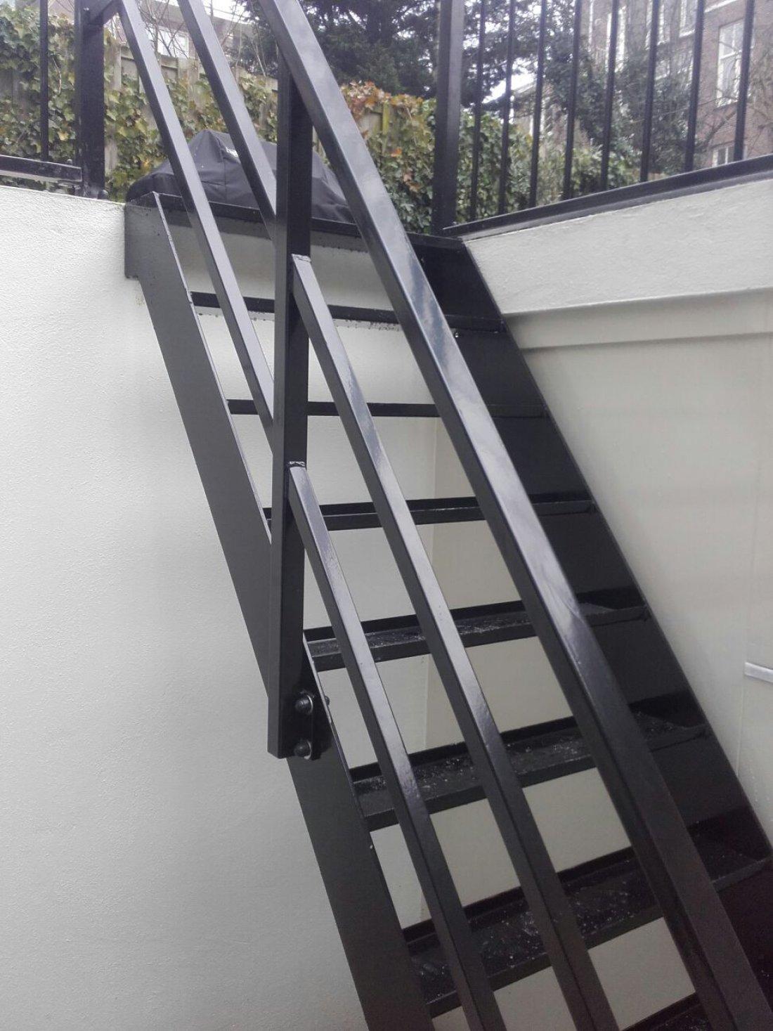 Metalen trap op maat zoek je een metalen trap op maat for Trap op maat bestellen